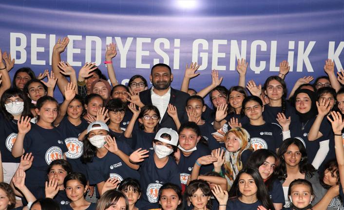 Gençlerden, Başkan Yılmaz'a Babalar Günü Sürprizi