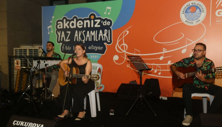 Akdeniz'de Hem Konser Hem Sinema Keyfi