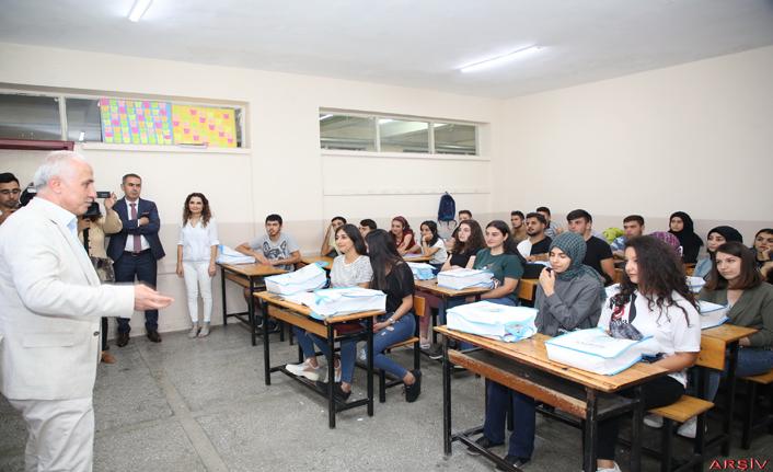 Akdeniz'den Üniversite Hayali Kuran Gençlere Destek