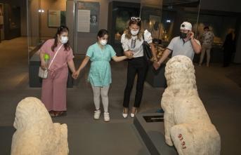 Arkeoloji Müzesini Gezdiler