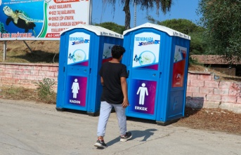 Mersin Büyükşehir'den Sahil Şeridine Seyyar Tuvalet