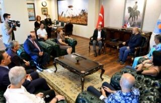 Jüri ilk olarak Başkan Seçer'i ziyaret etti