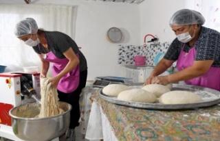 Kadınlar Üretiyor, Yöresel Ekmekler Mer-Ek'te...