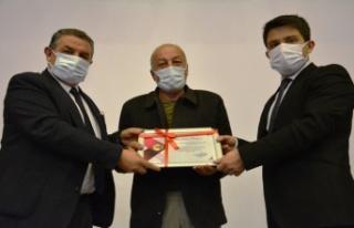 Başkan Ünüvar'dan Muhtarlara Teşekkür Belgesi