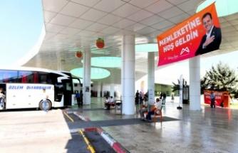 Mersin Büyükşehir, Üniversitelileri Kapıda Karşılıyor